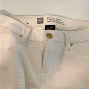 white jeans low rise